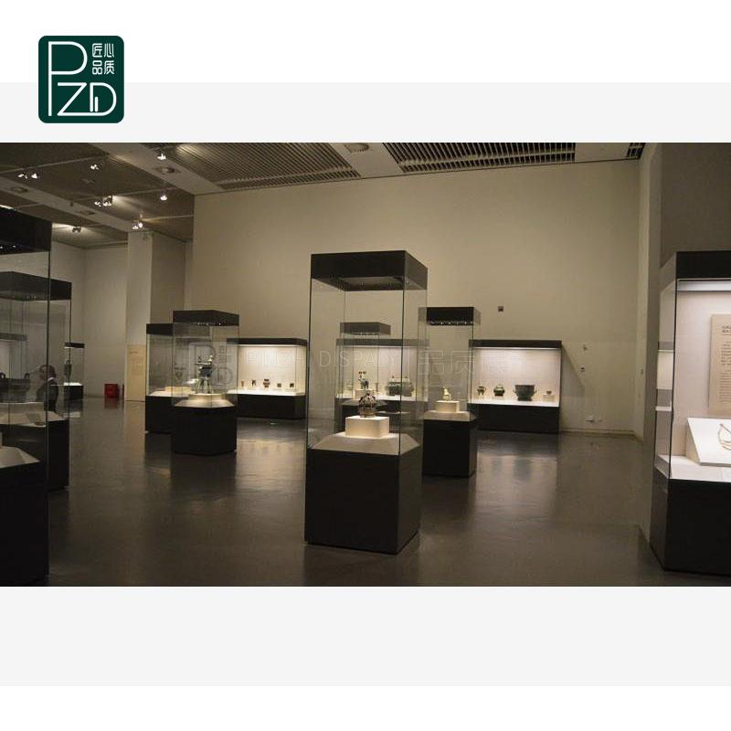 Customized Museum Tower Display Showcase