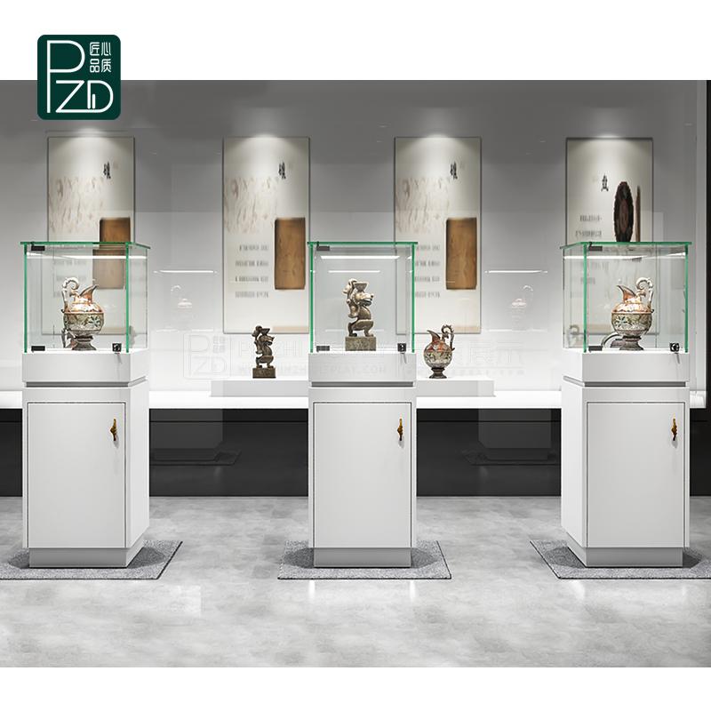Customized white museum glass showcases